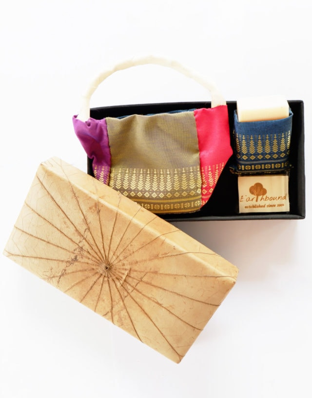 Earthbound Natural Herbal Soap & Thai Style Box