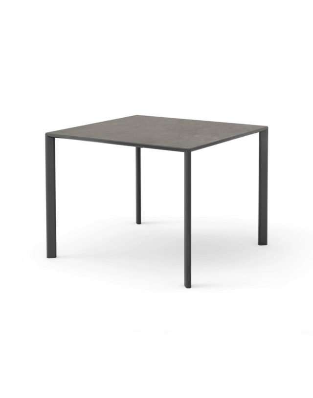 Cap Dining Table
