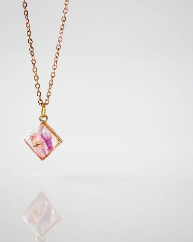 Mini Necklace Orchid Diamond Shape Rose Gold