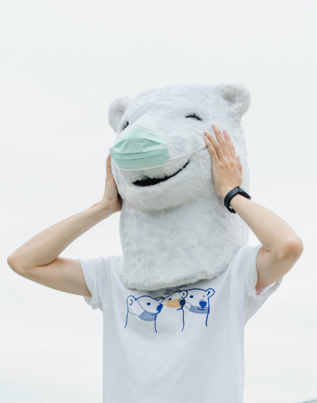 How (not) to wear your mask, Changeable color t-shirt